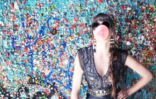 GUM WALL, SEATTLE GUM WALL, SEATTLE, WASHINGTON, PRADA SUNGLASSES, BCBG DRESS, BCBG BELT