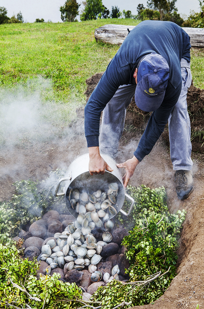 CHILEAN CURANTO, CURANTO, CHILE, SEAFOOD FEAST, SEAFOOD DINNER, CHILE, CHILOE, TRAVEL, SOUTH AMERICA, CLAMS, FIRE