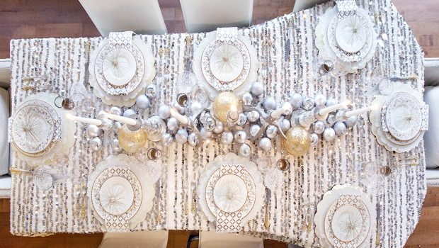 HOLIDAY TABLE, HOLIDAY DABLE DECOR, CHRISTMAS TABLE, NYE TABLE, NYE TABLESCAPE, TABLESCAPE, WEST ELM, CHICVILLE USA, TINSEL EVENTS