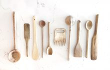 COOKING, WOODEN SPOONS, KITCHEN ESSENTIALS, COLLECT WOODEN SPOONS, COOKING SPOON, BEST SPOONS FOR COOKING, GLITTER GUIDE KITCHEN